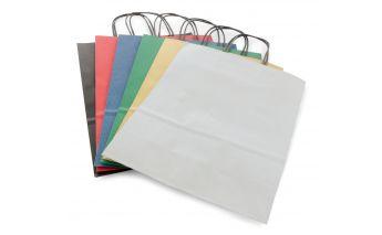 Värvilised kotid mis on valmistatud jõupaberist